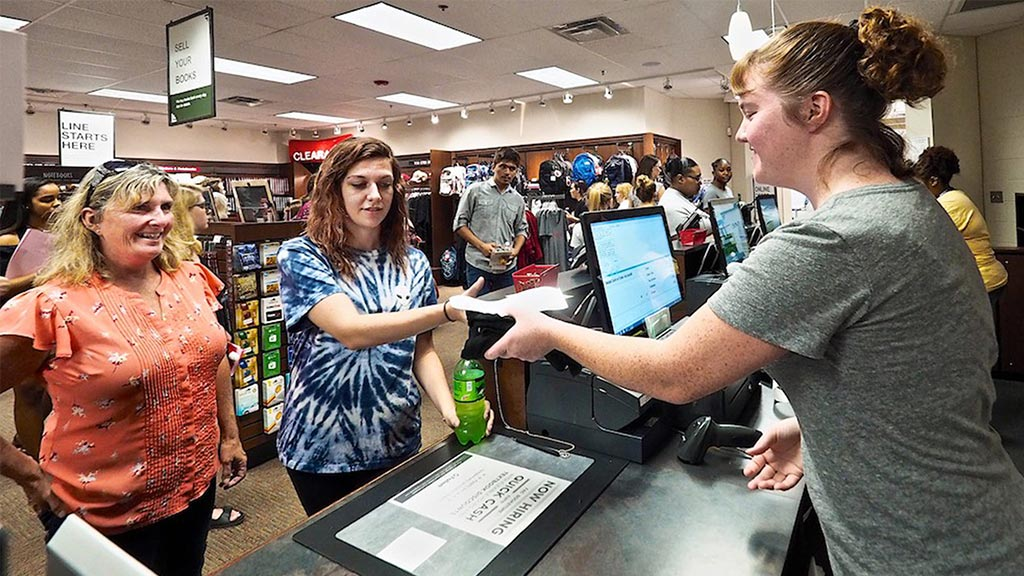 germanna student buying books in bookstore